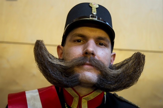 Карателям ВСУ позволили носить бороды— Как вИГИЛ