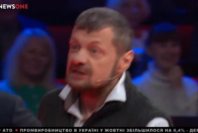 Мосийчук с тростью набросился на Саакашвили в прямом эфире