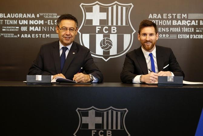 Месси останется с«Барселоной» до 2021
