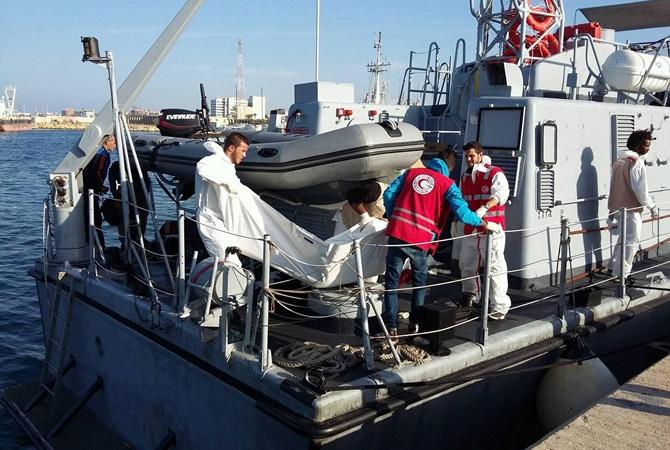 Акулы атаковали тонущих мигрантов вСредиземном море