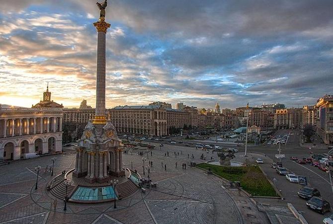 Власти Киева передумали воспрещать парковку на67 дорогах: проблему решит эвакуатор