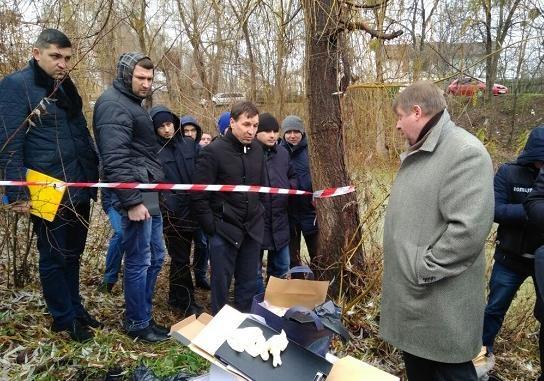 ВКиеве около озера обнаружили обезглавленный труп доэтого судимого мужчины— милиция