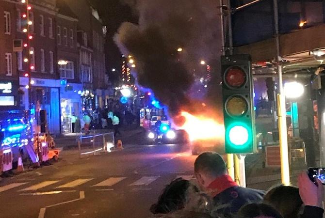 Взрыв авто нарождественской ярмарке в Англии