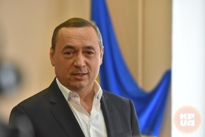 Суд вернул Мартыненко загранпаспорта