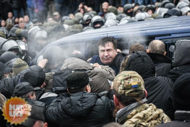 Беглого Саакашвили непустили помыться вгостиницу «Киев»