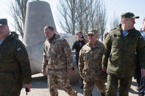 «ДНР» окружила Гольмовский военным лагерем, огневыми позициями итраншеями