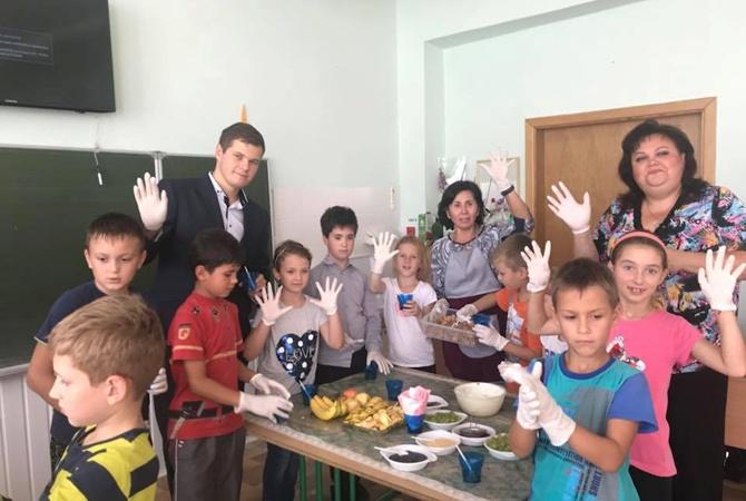 Видео на русском пригласил училку на ужин