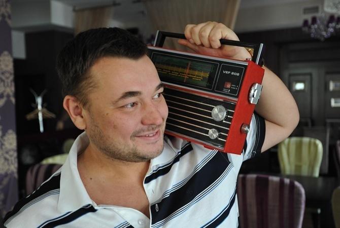 За год действия квот радиостанциям выписали штрафов на миллион гривен Фото Анатолий ЖДАНОВ