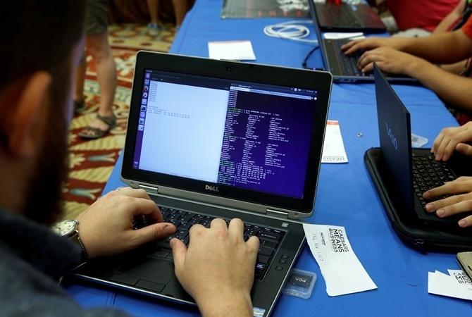 FCC отдала голос заотмену свободного интернета вСША