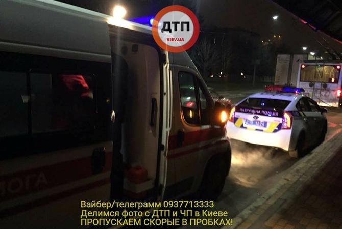 Кавказцы избили молодого человека вКиеве запросьбу неездить потротуарам