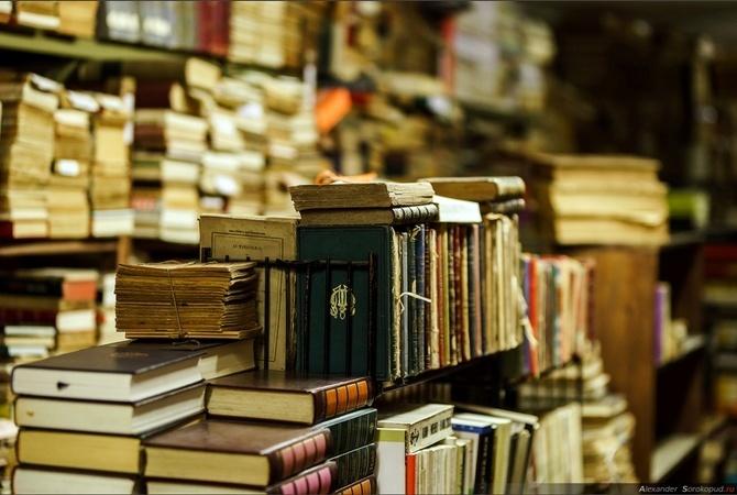Незаконно завезенные из РФ книги будут изымать изторговли