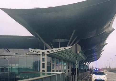 Вкиевском аэропорту «Борисполь» наполосе неудержался самолет компании «Белавиа»