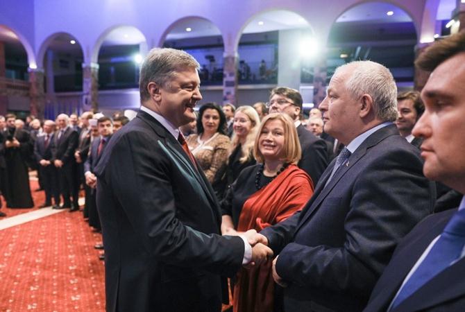 Американское оружие нужно Киеву для защиты военных имирного населения— Порошенко