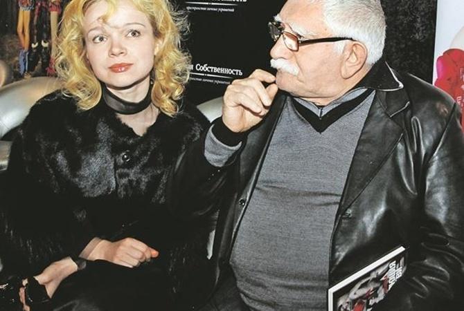 Театр Джигарханяна пришел в ущерб после отмены спектакля Цымбалюк-Романовской