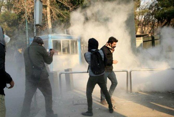 450 арестованных, 20 погибших— Протесты вИране