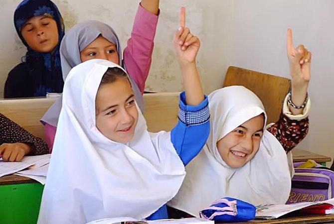 После протестов Иран запретил преподавание английского в младшей школе