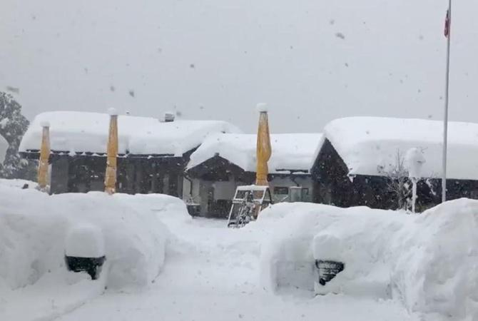 Нашвейцарском курорте застряли 13 тыс. туристов