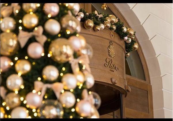 В Париже грабители с топорами унесли из пятизвездочного отеля'Ритц украшений на 4,5 миллиона евро                       Гост