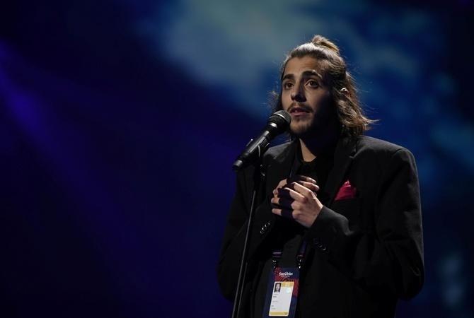 Победителя Евровидения-2017 выписали из клиники после успешной пересадки сердца