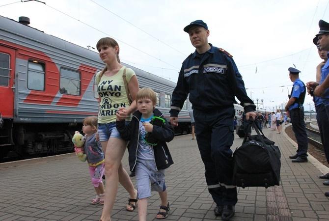Лучше всего квнутренним эмигрантам относятся вКиевской иЛьвовской областях,— МинВОТ