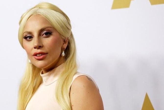 Леди Гага отменила десять концертов из-за проблем создоровьем