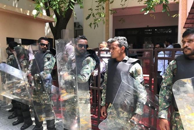 ВпосольствеРФ рекомендовали россиянам воздержаться отпосещения Мальдив