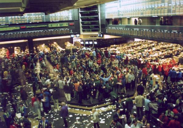 Биржи США вновь рухнули— 2-ой  худший вистории день для Dow Jones