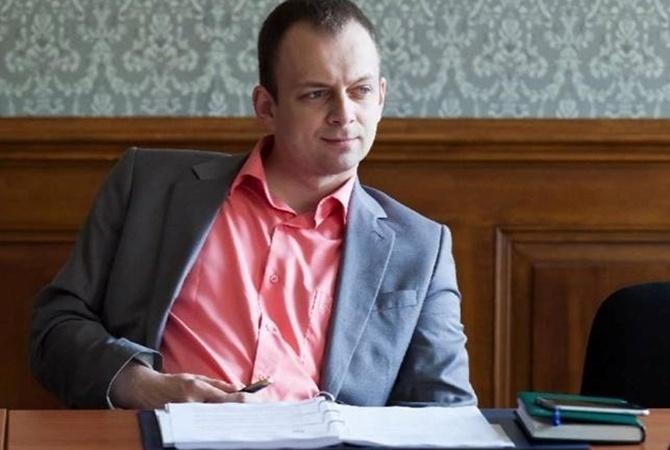 Суд арестовал прежнего обвинителя Суса без права залога