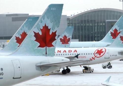 Самолет вернулся вканадский аэропорт из-за возгорания