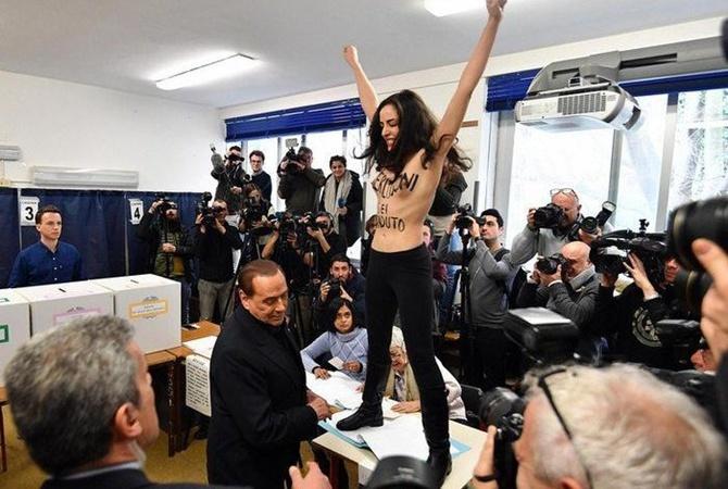 Активистка Femen оголила грудь перед Берлускони напарламентских выборах вИталии