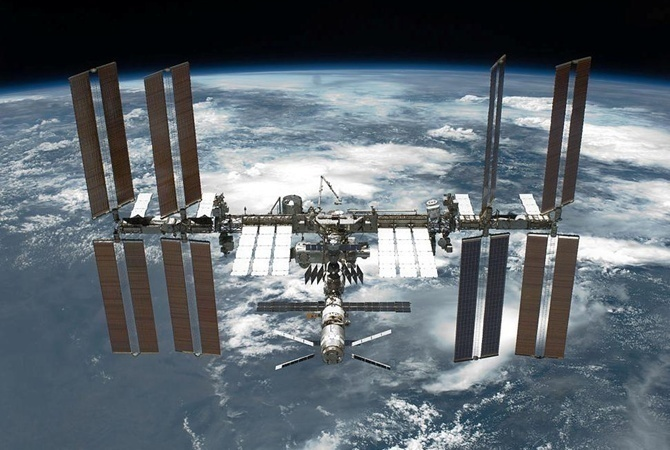Орбита МКС благополучно скорректирована— ЦУП