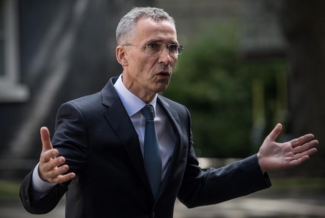 Столтенберг: НАТО не желает  «Холодной войны», однако  великобританию  поддерживает