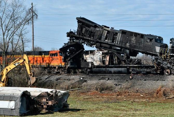 ВСША столкнулись два товарных поезда: проведена эвакуация местных граждан