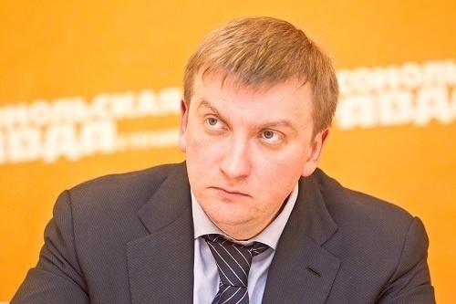 ИзУкраины невыпустили 100 000 должников