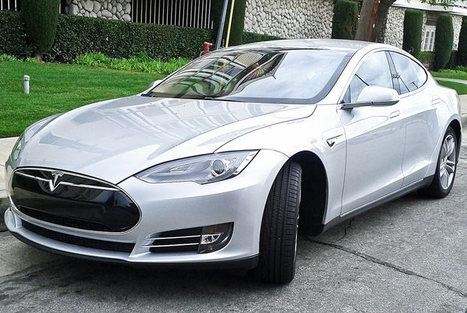Tesla отзовет неменее 120 тыс. электрокаров Model Sиз-за ржавых болтов