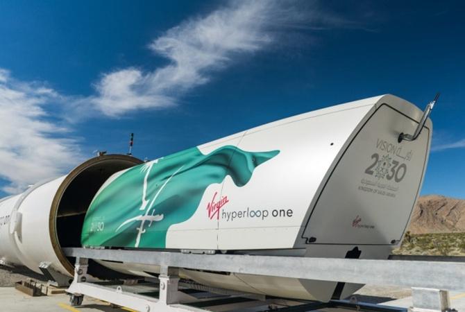 Virgin Hyperloop One показала поезд будущего вдействии