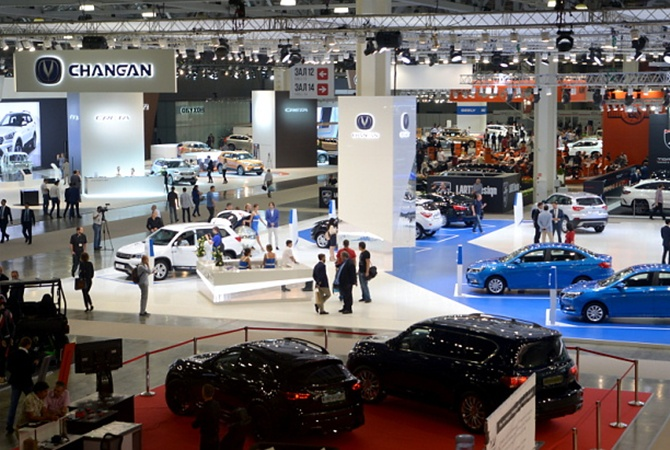 30 мировых брендов отказались от участия в Московском автосалоне