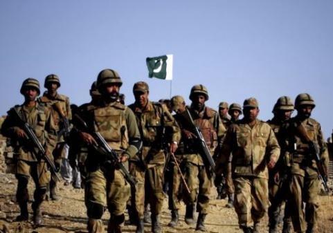 Награнице Афганистана иПакистана военные устроили стрельбу