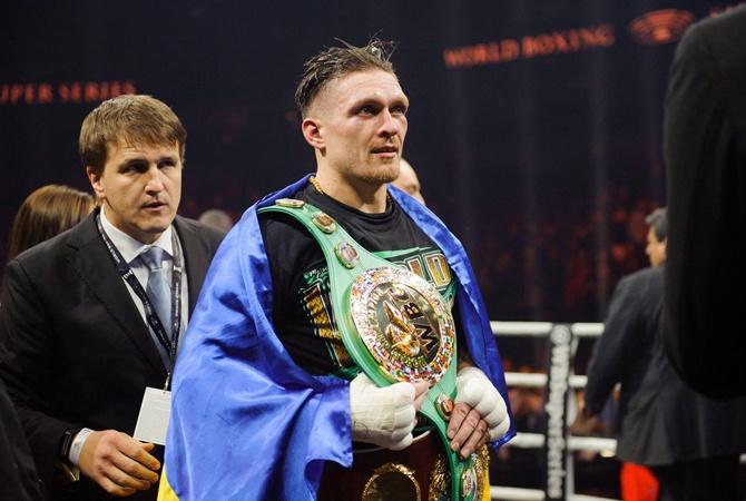 Украинский боксер Усик отказался драться против осетина Гассиева наринге в Российской Федерации