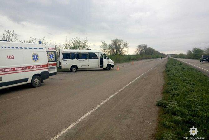 Маршрутка спассажирами перевернулась попути изДнепра вКривой Рог