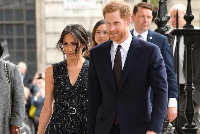 e6cb6a637e78 Венчание 33-летнего члена монаршей семьи (Гарри - шестой в очереди на трон)  и актрисы, которая старше его на 3 года, пройдет 19 мая в часовне Святого  ...