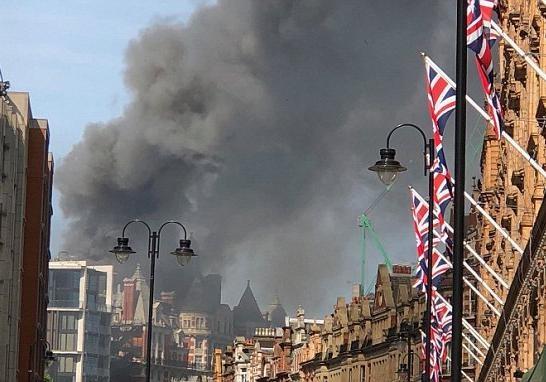 В Лондоне разгорелся крупный пожар в отеле Mandarin Oriental