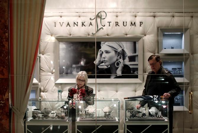 Иванка Трамп закрывает бизнес: дочь президента США тревожится о собственной репутации политика