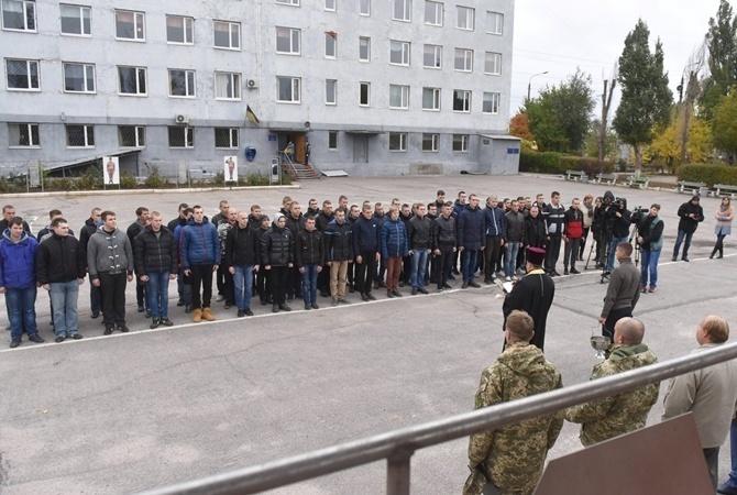 Всамом начале года изукраинской армии уволились 11 тыс. офицеров исолдат