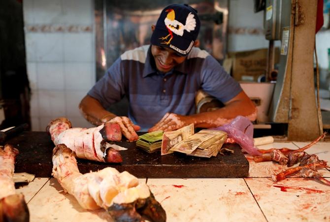 ВВенесуэле рост цен ссамого начала года составил неменее 10664%
