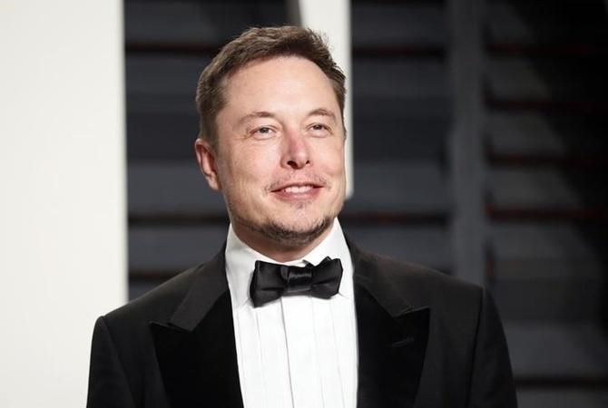 ВСША загорелся завод попроизводству автомобилей Tesla