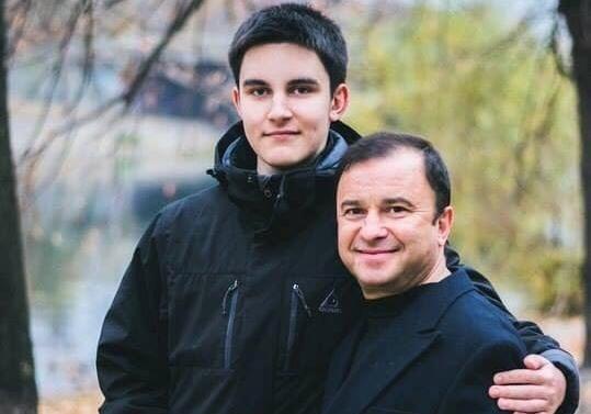 Виктор Павлик приостановил сбор средств налечение сына