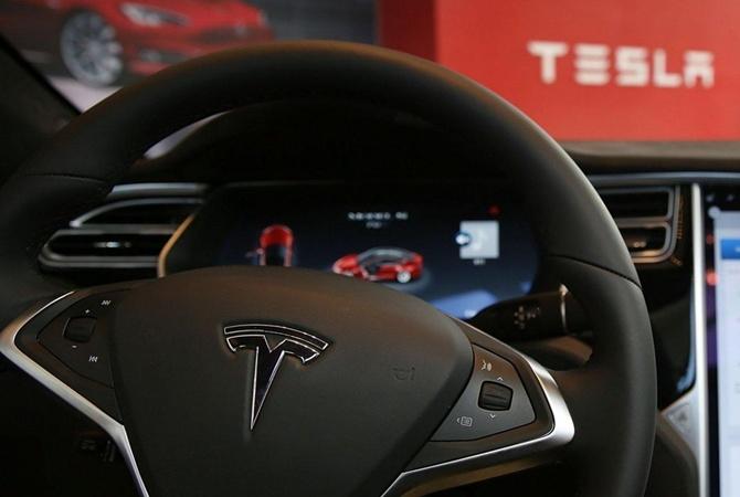 Пьяный водитель поставил Tesla на автопилот и уснул на скорости 100 км  ч Заставочное