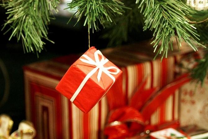 Что  подарить на рождество: подарки для родителей, друзей и любимых