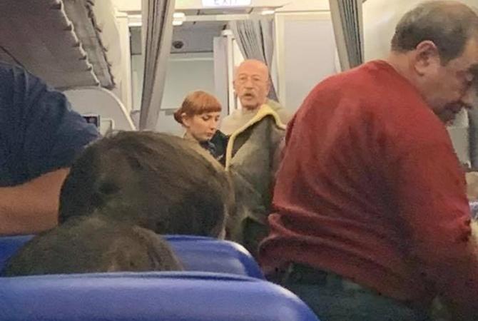 Александр Розенбаум спас жизнь пассажирке самолета